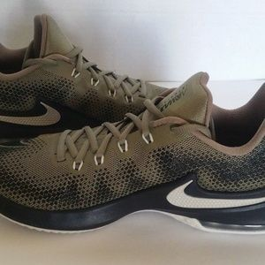 buy popular 9a6d5 a8b64 Nike Shoes - Nike Mens Air Max Infuriate Low Trooper Canvas